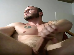 Str8 muscle man  his meatpipe on web cam
