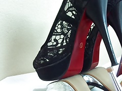 Money-shot High Heel  W33. Cum-shot  HIGH HEEL. Money-shot