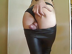 Impressively Scorching SISSY  Shoots a load Hands-free IN LEATHER LEGGINGS!
