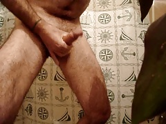 Unshaved dad jizzing
