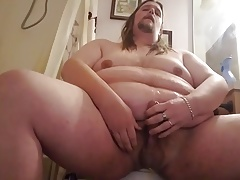 phat  dude pees on himself and in his jaws and shoots a load