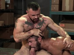 Muscle bear anal and anal jizz flow