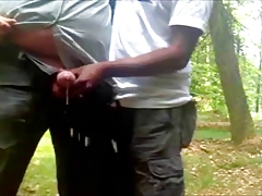 Hand job im Wald - German Homosexuals